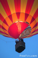 Hot Air Balloon courtesy of freefoto.com
